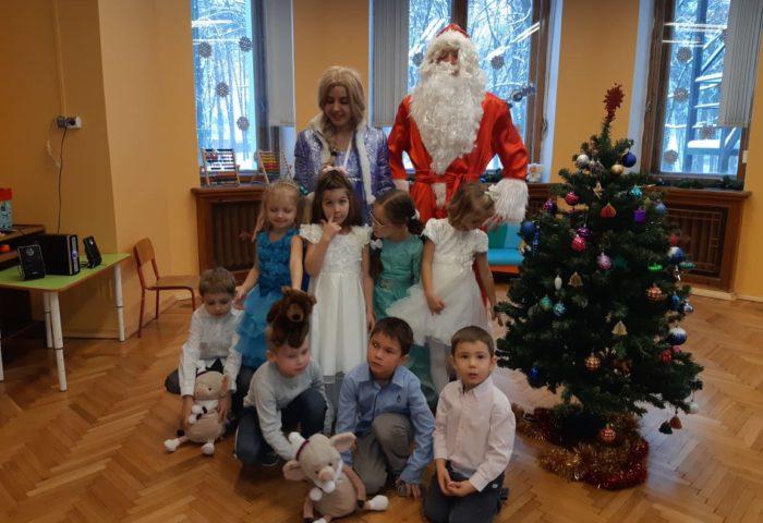 Совместная фотография с Дедом Морозом и Снегурочкой